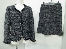 Tokyo Soir(トウキョウソワール)のスカートスーツ