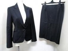M-premierBLACK(エムプルミエブラック)のスカートスーツ