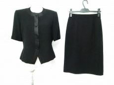 SOIRBENIR(ソワールベニール)のスカートスーツ