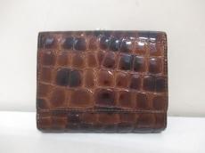 COCCO FIORE(コッコフィオーレ)の3つ折り財布