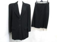 LucianoSoprani(ルチアーノソプラーニ)のスカートスーツ