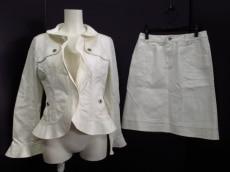 ALMAENROSE(アルマアンローズ)のスカートスーツ