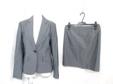 BUONAGIORNATA(ボナジョルナータ)のスカートスーツ