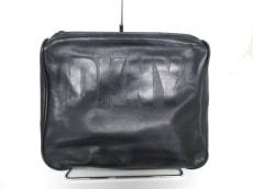 DKNY(ダナキャラン)のセカンドバッグ