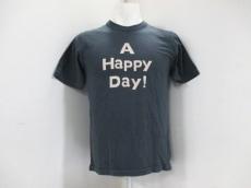 UES(ウエス)のTシャツ