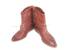 VINCECAMUTO(ヴィンスカムート)のブーツ