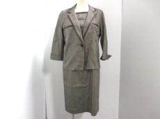 modify(モディファイ)のワンピーススーツ