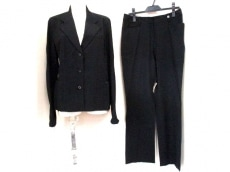 LEONARD(レオナール)のレディースパンツスーツ