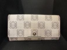 LOEWE(ロエベ)の長財布