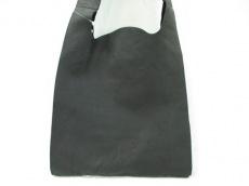 REN(レン)のショルダーバッグ