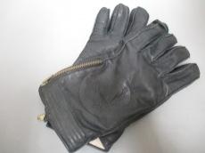 GIANNIVERSACE(ジャンニヴェルサーチ)の手袋