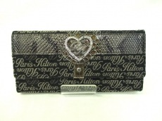 Paris Hilton(パリス・ヒルトン)の長財布