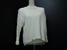 SACRA(サクラ)のTシャツ