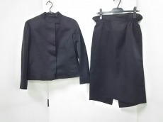 LOUISVUITTON(ルイヴィトン)のスカートスーツ