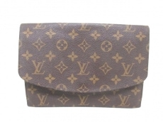 LOUIS VUITTON(ルイヴィトン)のクラッチバッグ