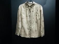 YOSHIEINABA(ヨシエイナバ)のシャツブラウス