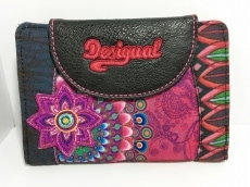 Desigual(デシグアル)のWホック財布
