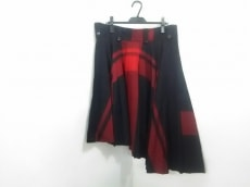 Y'sRedLabel(ワイズレッドレーベル)のスカート