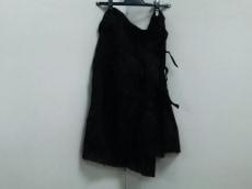 UNDERCOVERISM(アンダーカバイズム)のスカート
