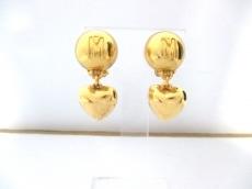 MOSCHINO(モスキーノ)のイヤリング