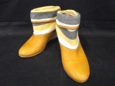 mint designs(ミントデザインズ)のブーツ