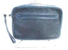 印傳屋(インデンヤ)のセカンドバッグ