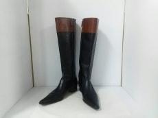 ESCADA(エスカーダ)のブーツ