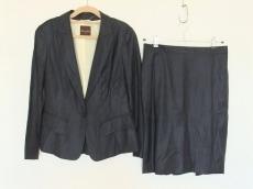 FilodiSeta(フィロディセタ)のスカートスーツ