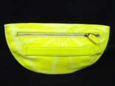 YARNZ(ヤーンツ)のクラッチバッグ