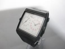 momoDESIGN(モモデザイン)の腕時計
