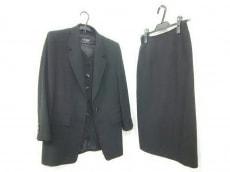 SOIR BENIR(ソワールベニール)のスカートスーツ