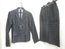 MCM(エムシーエム)のスカートスーツ