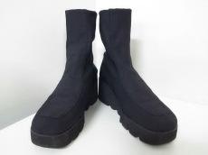 KEIKO KISHI(ケイコキシ)のブーツ