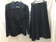 PICONE(ピッコーネ)のスカートスーツ