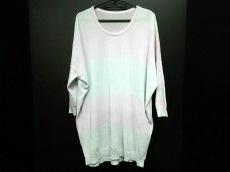 β(ベータ)のセーター