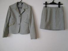 GIANNIVERSACE(ジャンニヴェルサーチ)のスカートスーツ