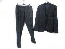 Dior HOMME(ディオールオム)のメンズスーツ