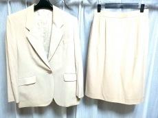 Aquascutum(アクアスキュータム)のスカートスーツ