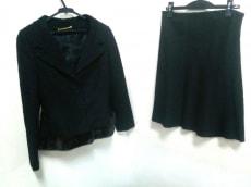 ANNA MOLINARI(アンナモリナーリ)のスカートスーツ