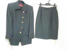 Ungaro(ウンガロ)のスカートスーツ