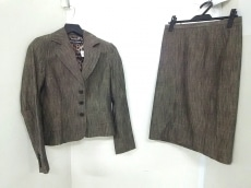DOLCE&GABBANA(ドルチェアンドガッバーナ)のスカートスーツ