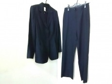 et vous(エヴー)のレディースパンツスーツ
