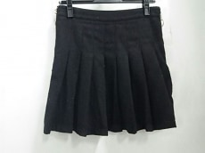UNIF(ユニフ)のスカート