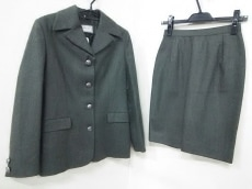VERSACE SPORT(ヴェルサーチスポーツ)のスカートスーツ