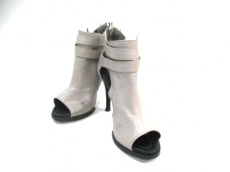 Qussio(クーシオ)のブーツ