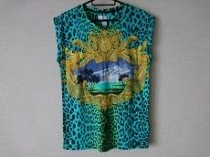 H&M×VERSACE(エイチアンドエム×ヴェルサーチ)のTシャツ