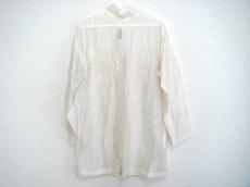 TOKUKO 1er VOL(トクコ・プルミエヴォル)のシャツ