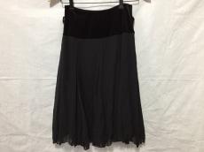 THE FIRST(ザファースト)のスカート