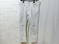 uniform experiment(ユニフォームエクスペリメント)のジーンズ