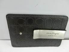SalvatoreFerragamo(サルバトーレフェラガモ)/カードケース